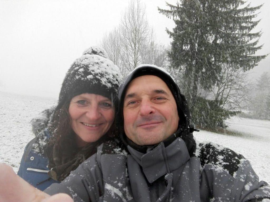 Das sind wir - Die Idee, kalt, Schnee, Badefass aufheizen, Feuer und Eis