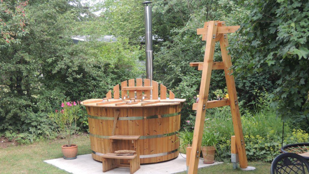 Reiner Holzbadezuber aus Thermoholz Innenofen, 42mm Thermoholz, Edelstahlspannbänder, Treppe,Abdeckung PVC
