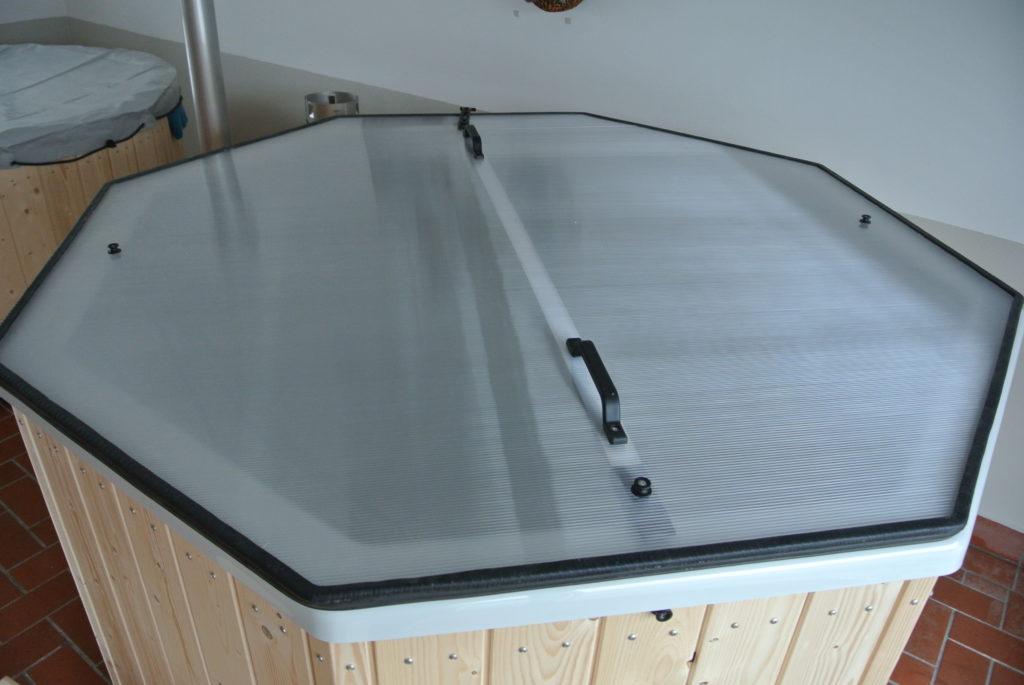 Abdeckung aus Polycarbonat, Doppelstegplatte, sehr leicht, gut isolierend
