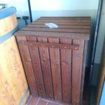Filterkiste, Holzkiste in Farbe zum Badefass